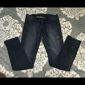 *LIKE NEW* dELiA*s Taylor skinny jeans dark wash